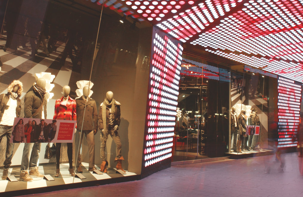 Lighting solutions for retail environments