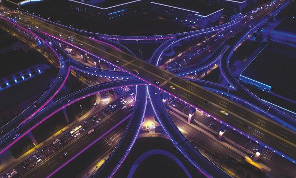 Licht für Brücken, Straßen und Infrastruktur, öffentliche Räume, Sensoren und Licht für Security-Zwecke