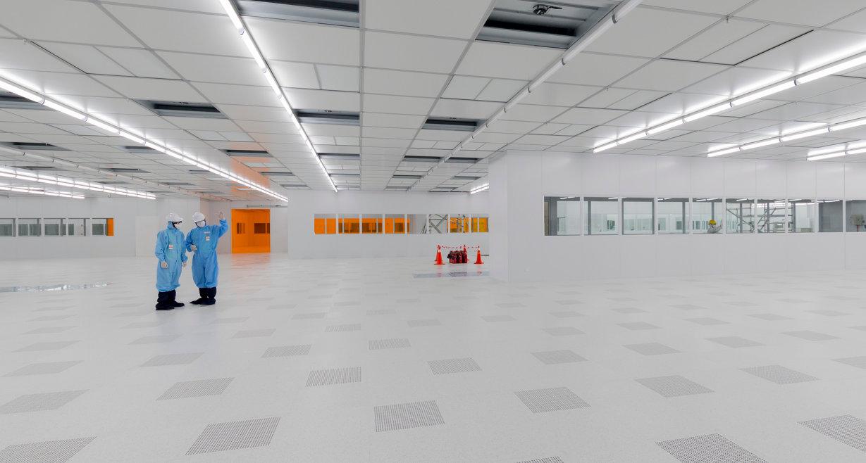 TausendeLEDsfür Displays aller Art, Auto-Interieurs oder die Beleuchtung von Büro und Geschäfte können aus einer LED-Rohscheibe mit sechs Zoll Durchmesser geschnitten werden.