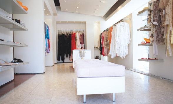 Licht für Einkaufszentren, Verkaufsräume, Ladenflächen, Shopping-Center, Schaufenster, Ausstellungsräume, Supermärkte sowie Strahler und Regalbeleuchtung