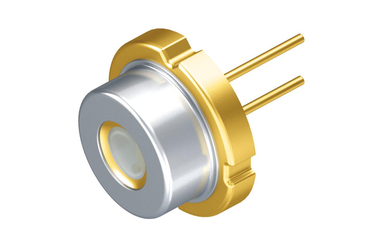 Mit der neuen Laserdiode PLPT9 450D_E A01 von Osram Opto Semiconductors können Autoscheinwerfer bei gleichbleibend hoher Lichtleistung noch kleiner designt werden als bisher
